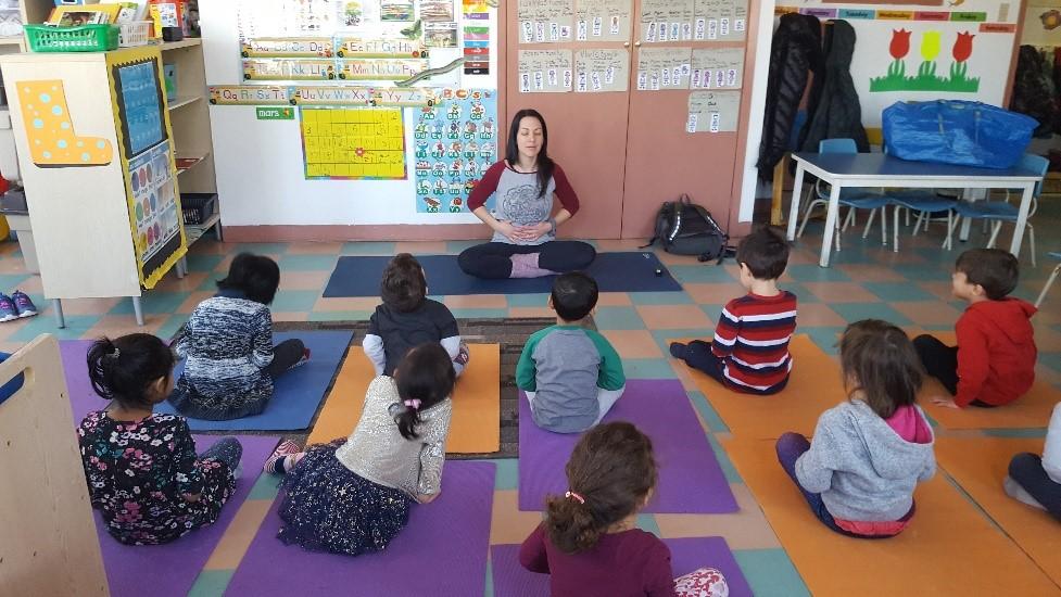 yoga-enfant-ecole-classe