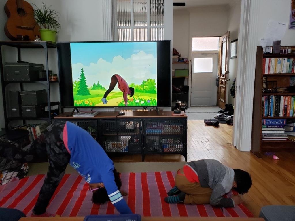 yoga-enfant-maison